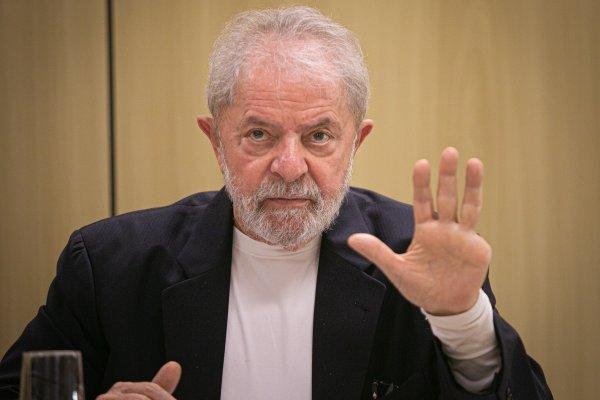 [Pesquisa revela que 70% dos brasileiros não querem que Lula seja candidato à presidência]