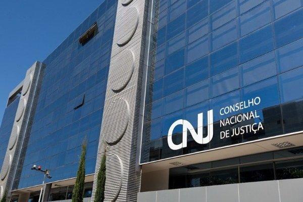 [CNJ proíbe pagamento retroativo de auxílio-moradia a magistrados ]