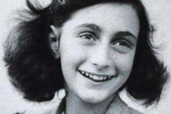 [Marca de cosméticos lança produtos inspirado em Anne Frank e web reage ]
