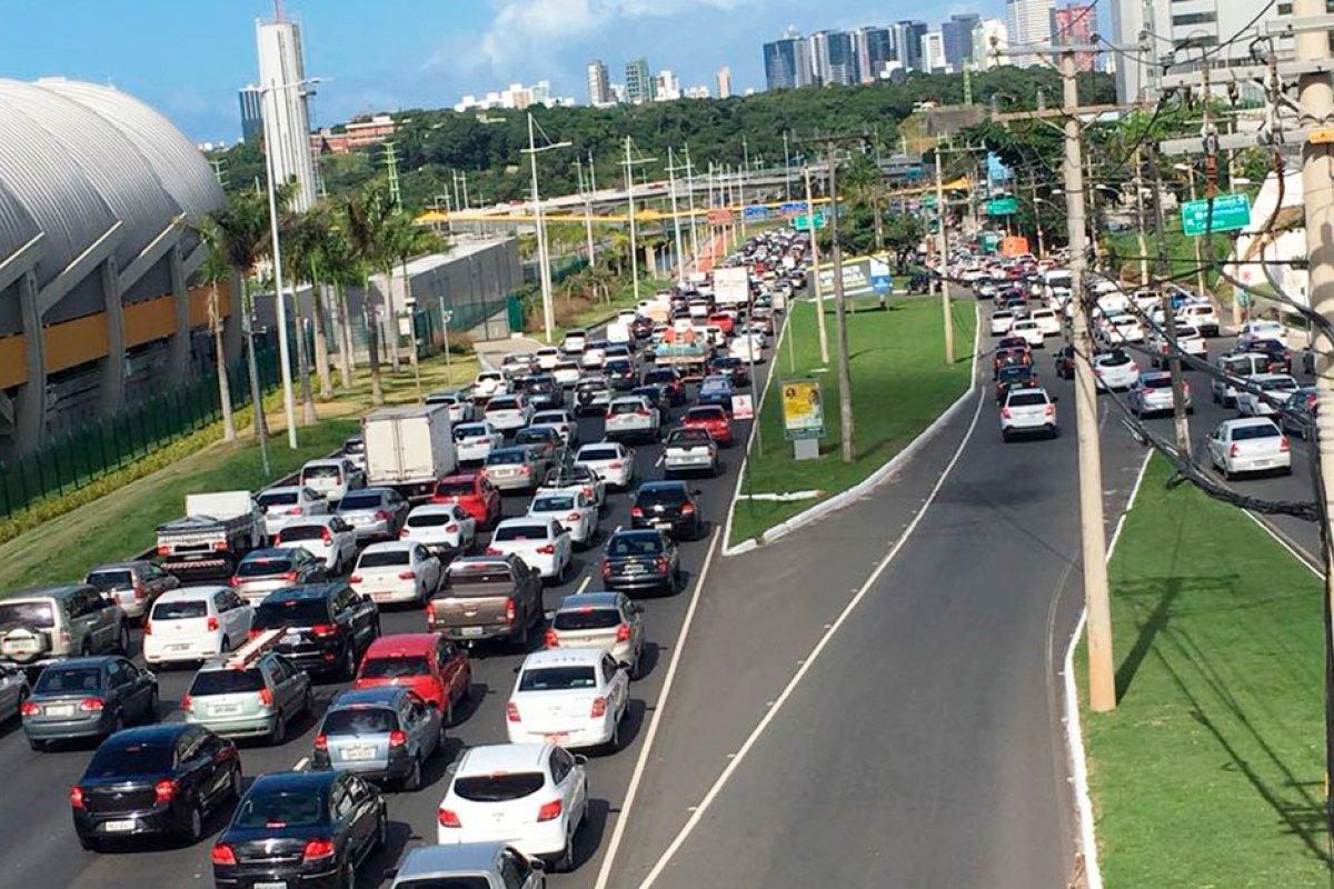[Boletim de trânsito: saiba quais vias registram tráfego livre nesta terça (30)]