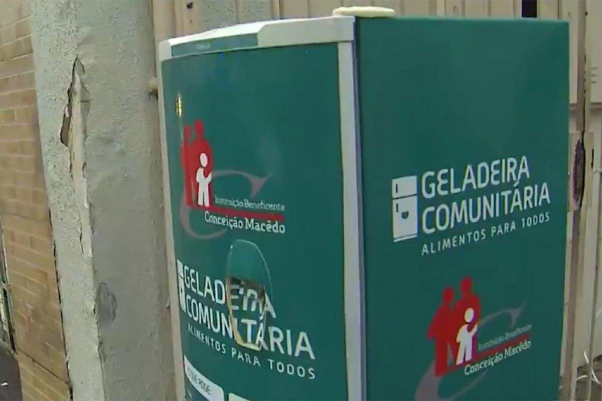 [ 'Geladeira solidária' é roubada em Salvador, 24h após ser instalada]