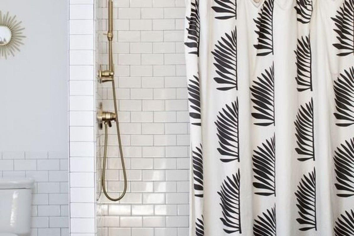 [As melhores inspirações de cortinas para o banheiro ]