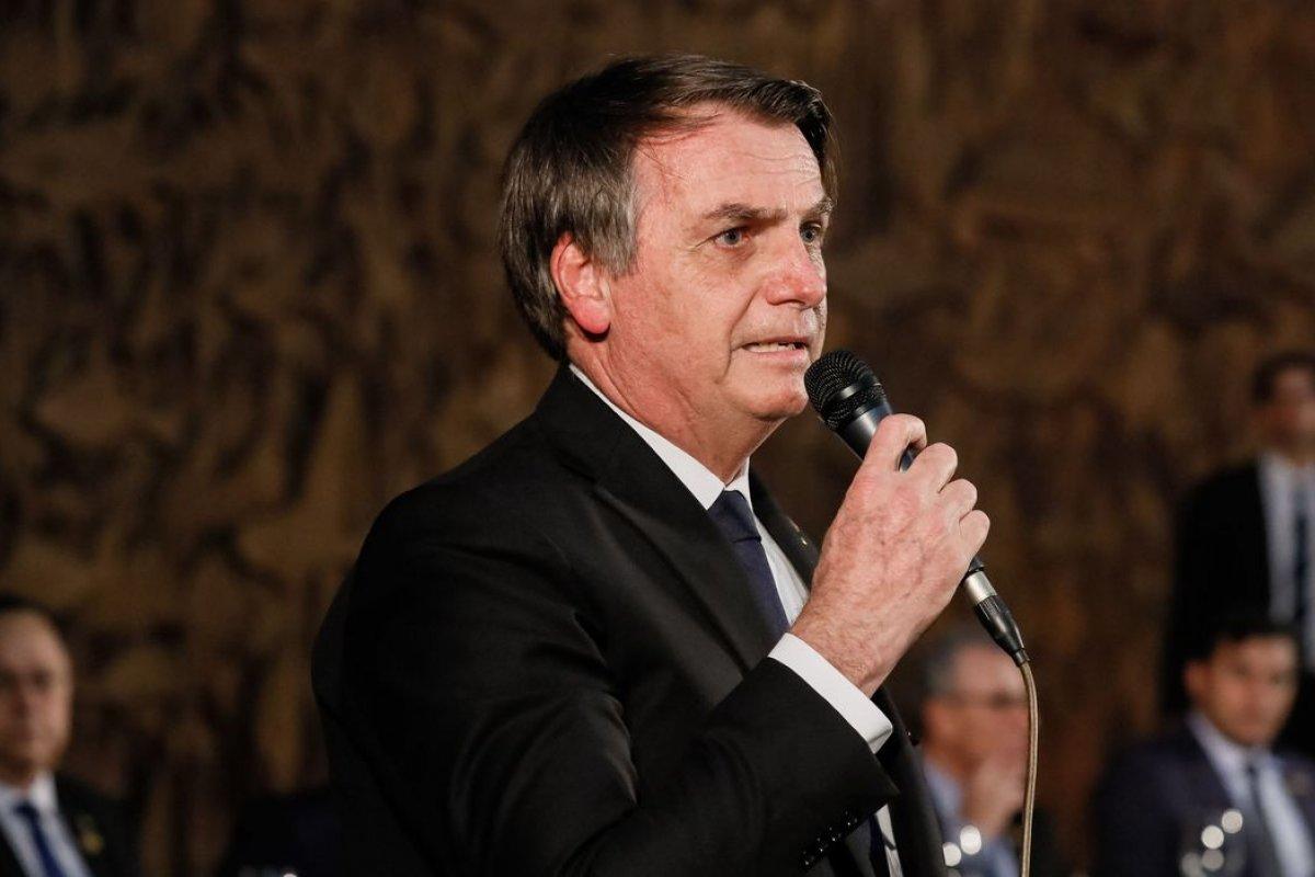 [Bolsonaro afirma que governo não vai obrigar vacinação contra Covid-19]