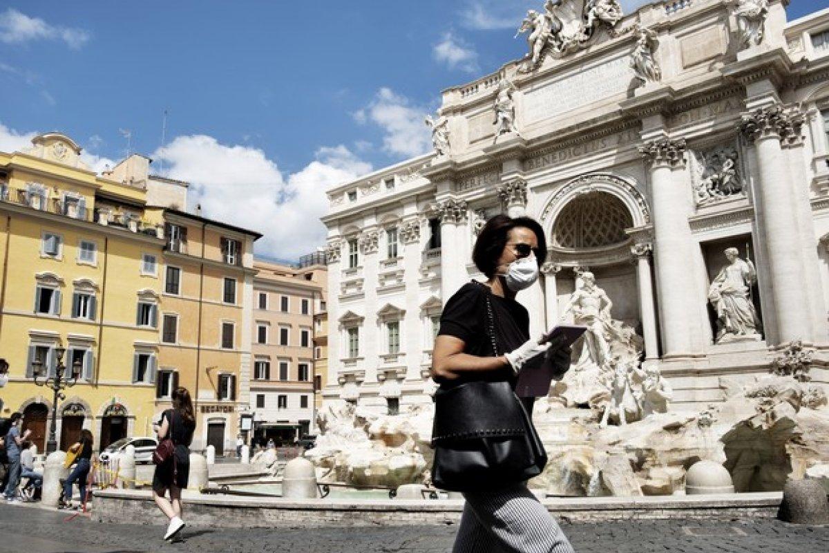 [Itália bate recorde de casos diários de Covid-19]