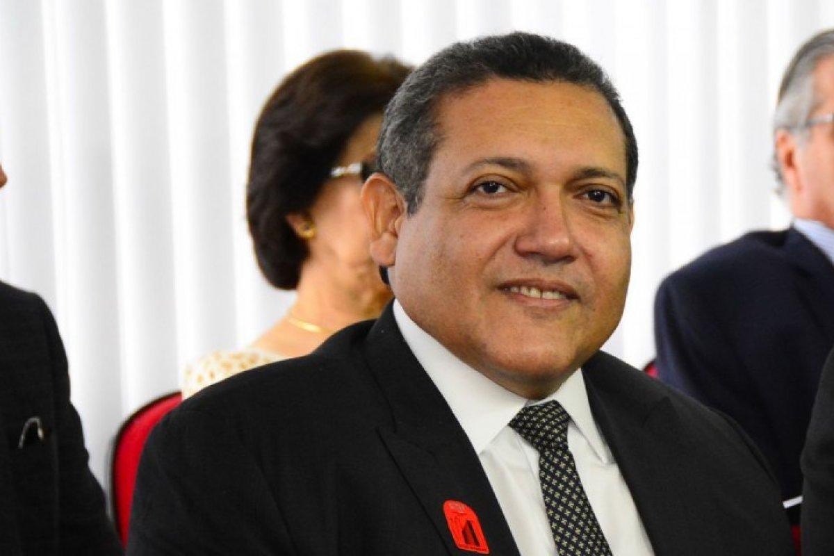 [Justiça de Brasília recebe ação para barrar nomeação de Kassio Marques]
