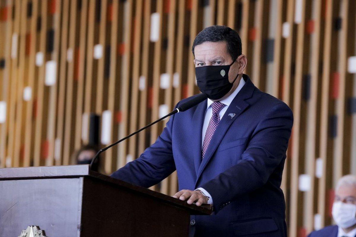 [Operação Verde Brasil deve prosseguir até final de 2022, diz Mourão]