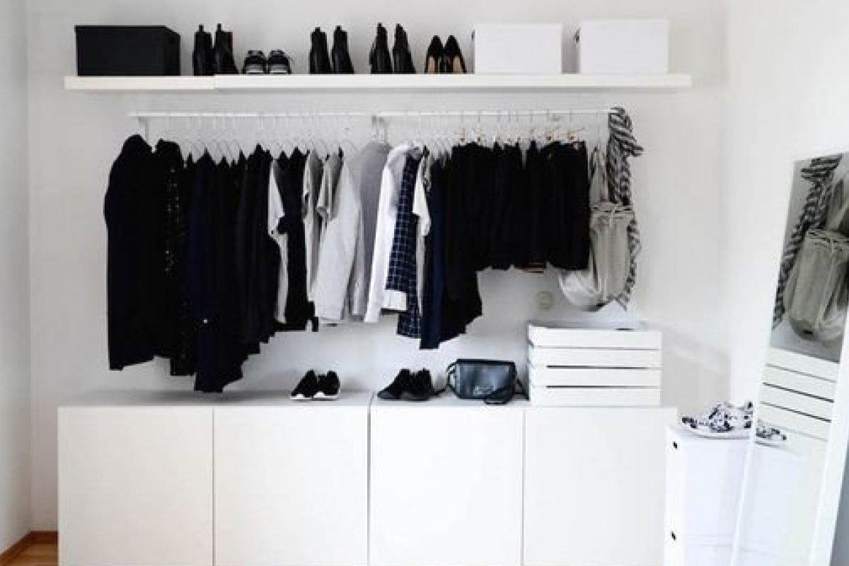 [5 inspirações de armários abertos no quarto]