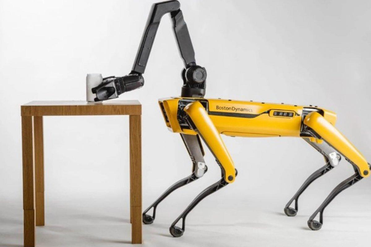 [Boston Dynamics venderá 'braço' para cão-robô]