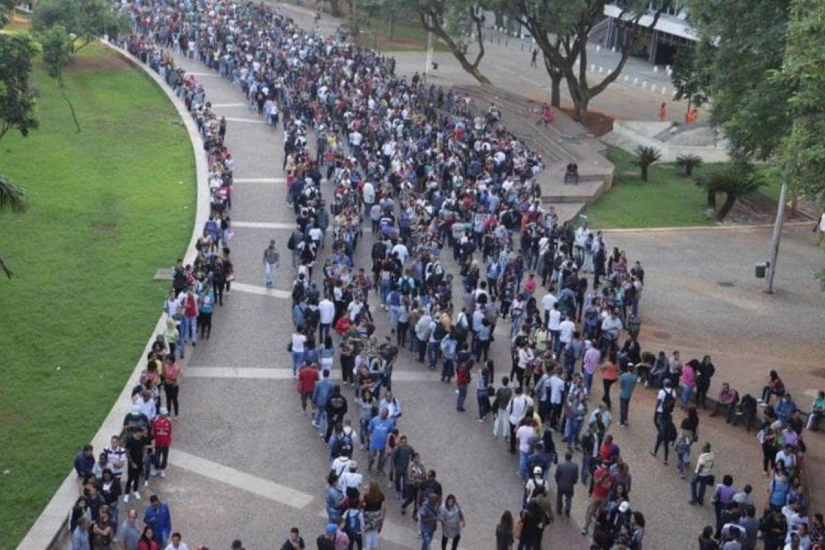 [Em cinco meses de pandemia, número de desempregados no Brasil cresce 33% ]