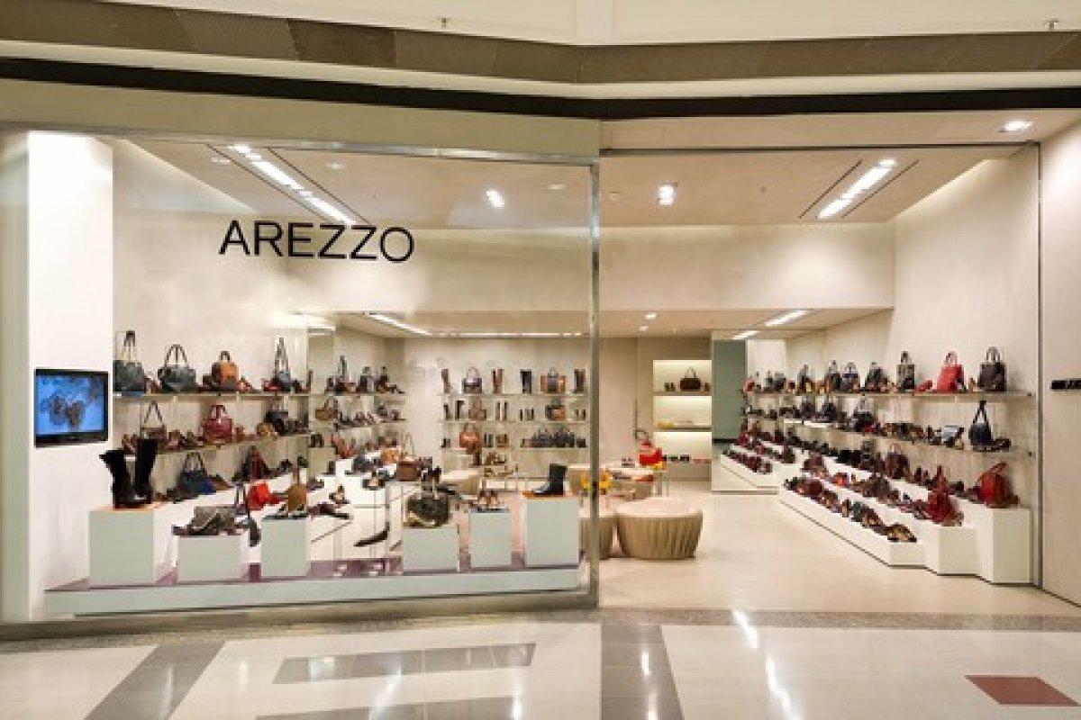 [Arezzo anuncia compra da marca carioca Reserva por R$ 715 milhões]