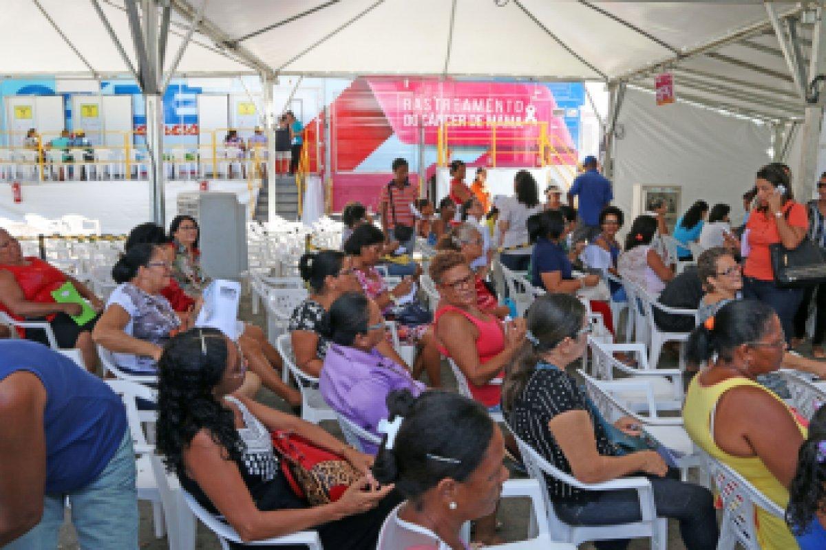 [Outubro Rosa: Sesab atinge meta de dez mil mamografias agendadas em Salvador]