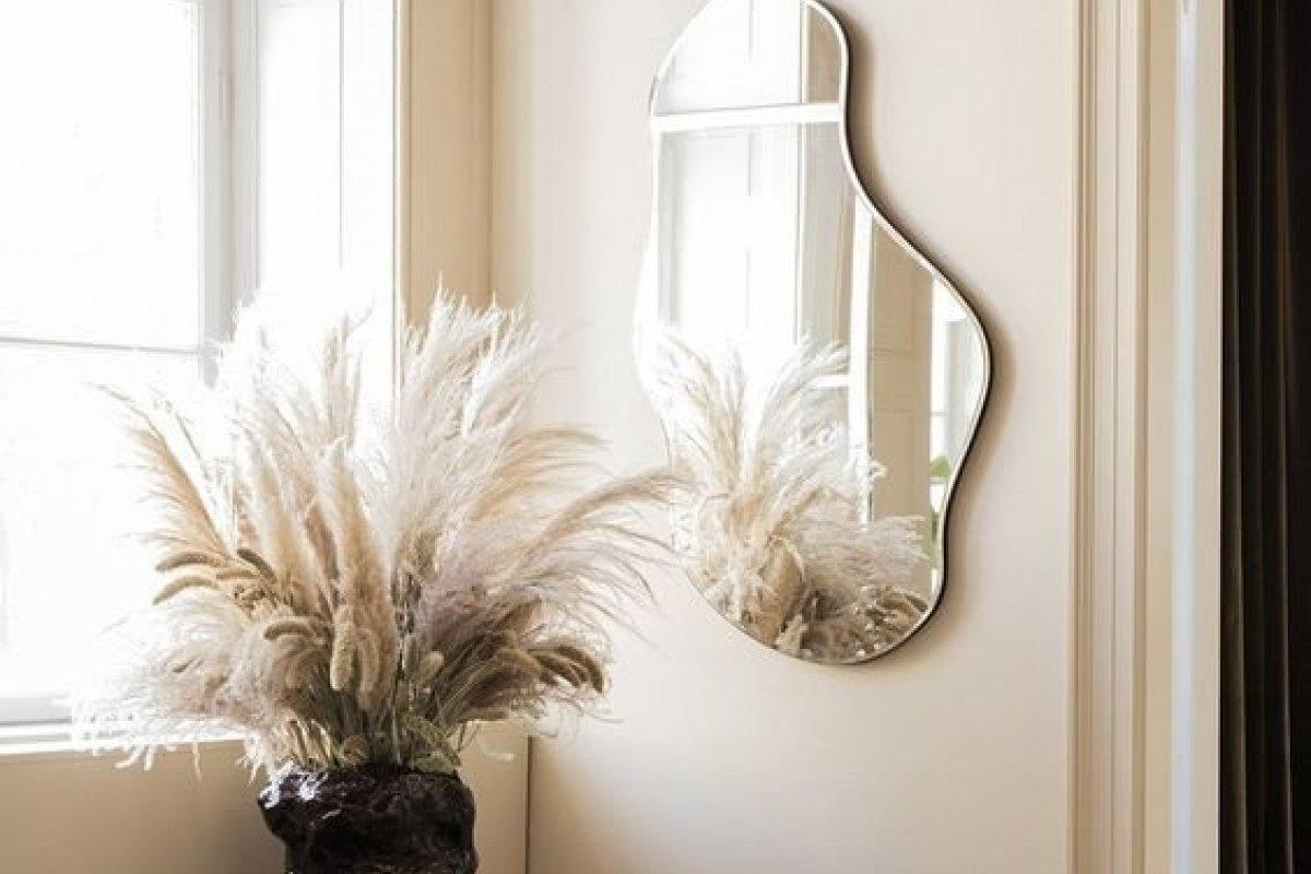 [5 modelos de espelho que levantam qualquer decoração ]