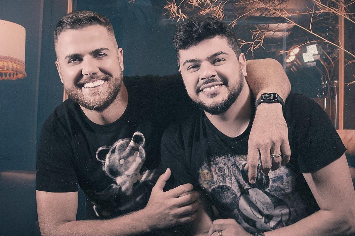 [Em menos de 24 horas a música 'Esses Vícios' da dupla  Zé Neto e Cristiano  se tornou a mais escutada do Brasil ]