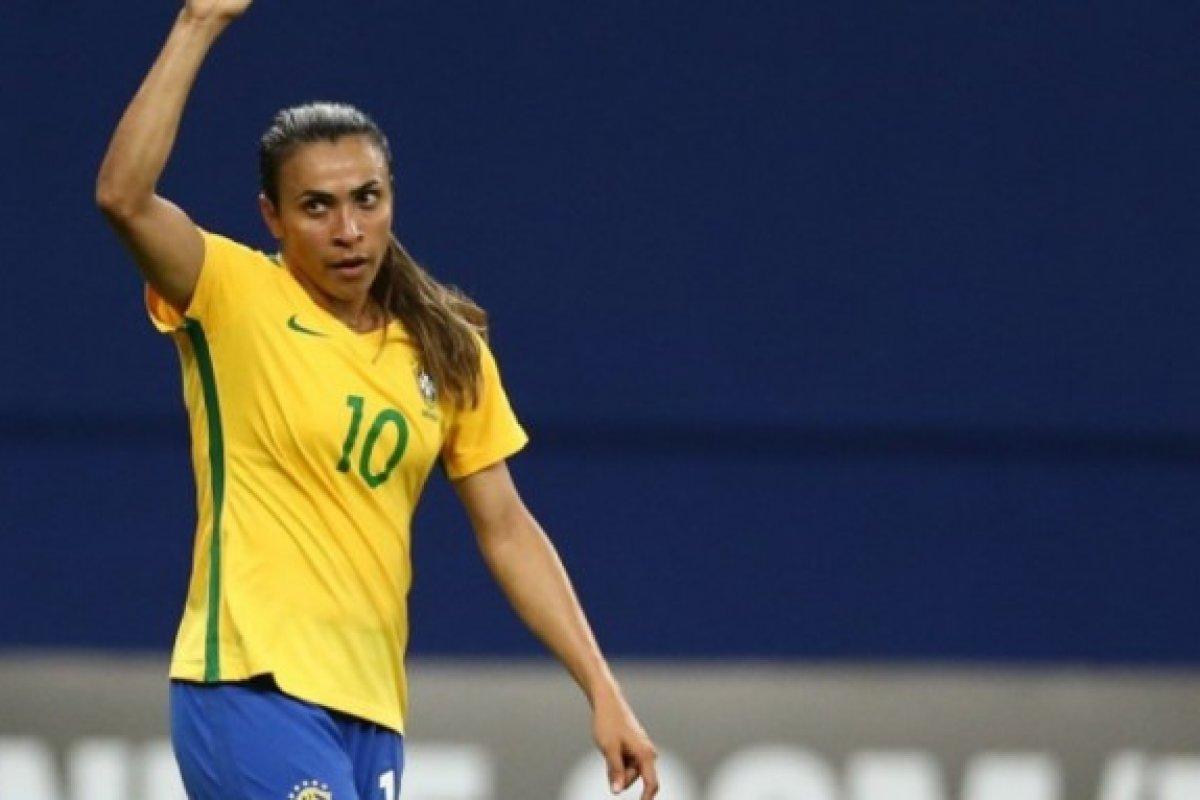 [Marta é cortada de jogos da Seleção após testar positivo para Covid-19]
