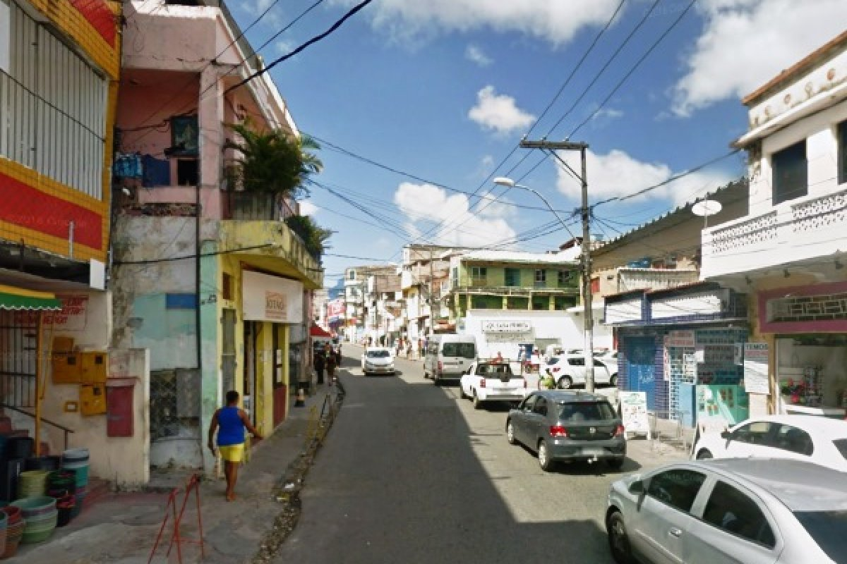 [Homens são mortos a tiros em rua de Salvador]