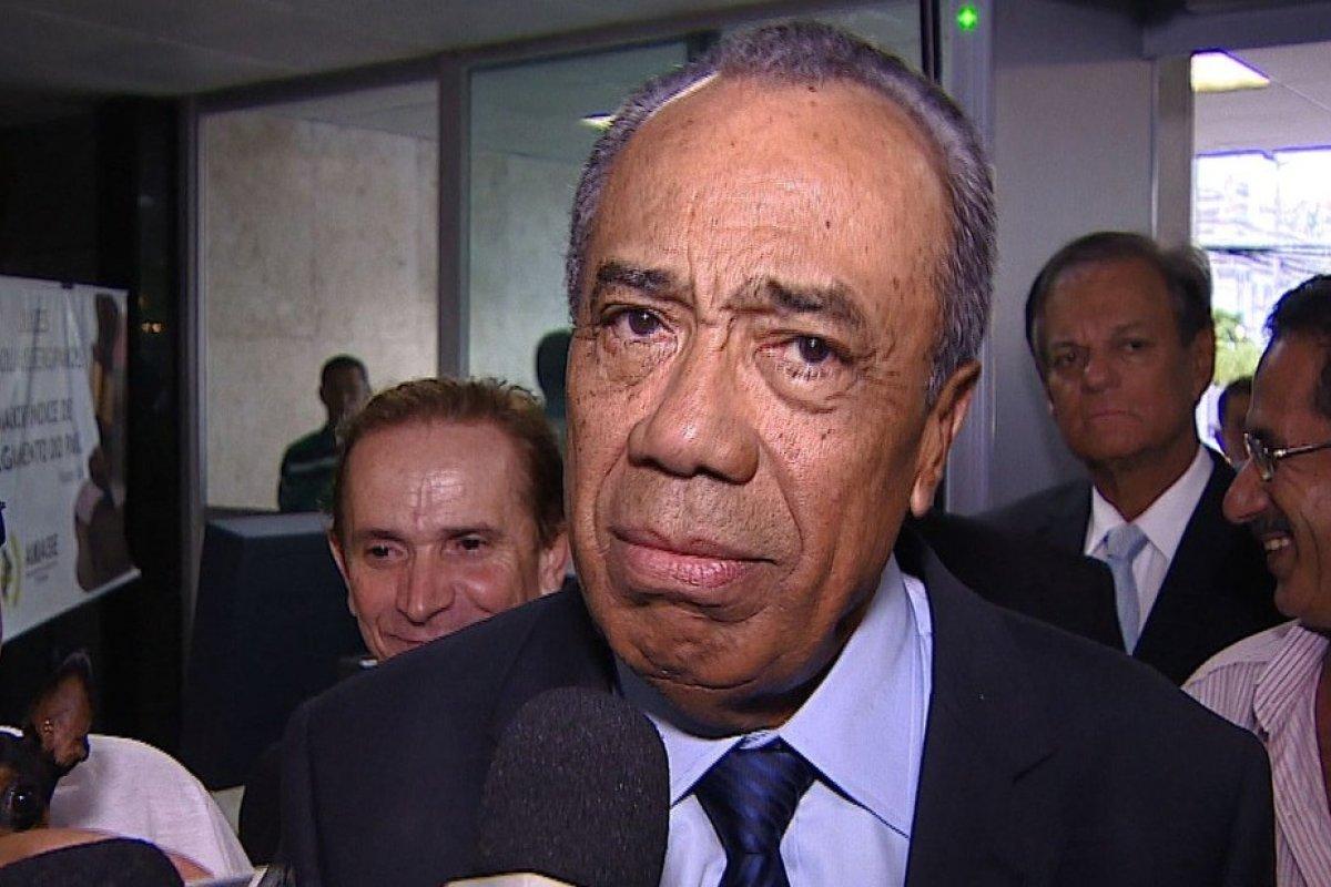 [Morre João Alves Filho, ex-governador de Sergipe]