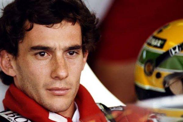 [Babado! Ex-piloto revela que Ayrton Senna era gay e que o casamento foi de fachada]