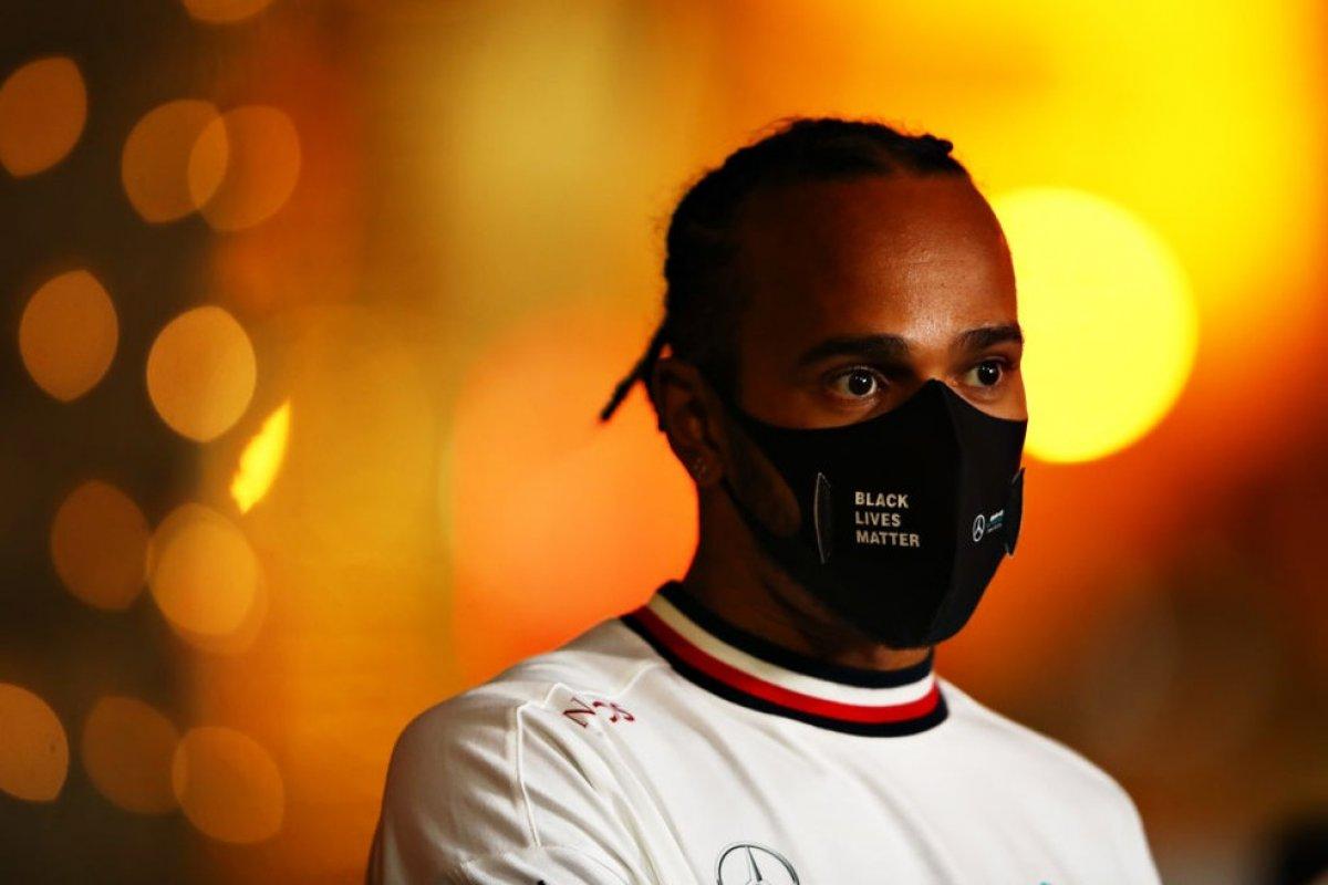 [Lewis Hamilton testa positivo para Covid-19 e está fora do GP de Sakhir]