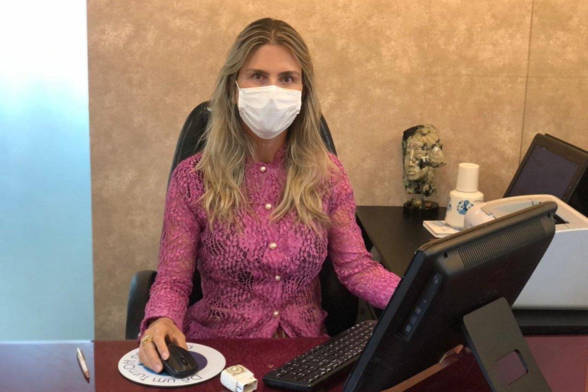 [Dezembro Laranja: dermatologista Andrea Botto alerta para cuidados com a pele]