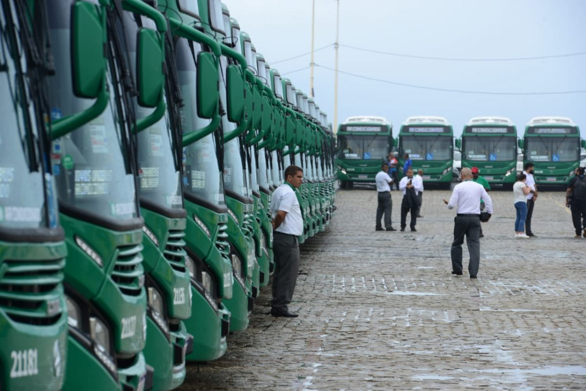 [Prefeitura de Salvador anuncia linhas de ônibus que terão ar-condicionado]