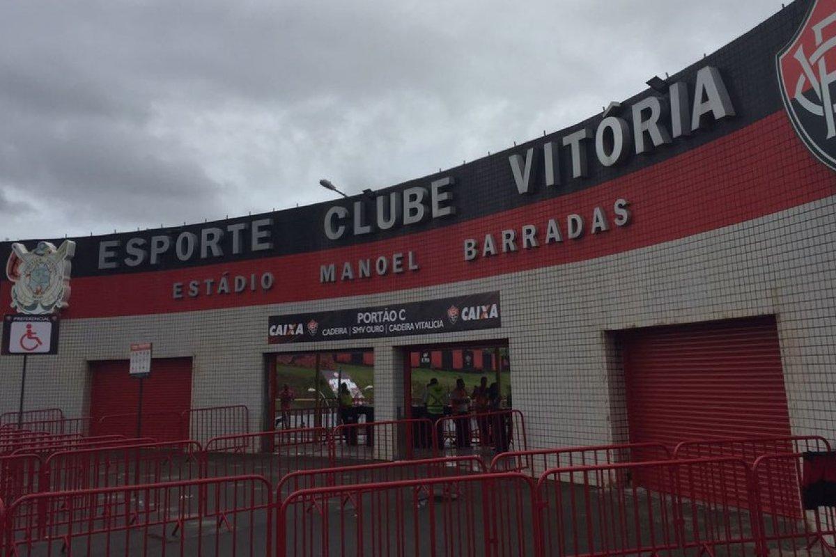 [Diretor do Vitória diz que clube aguarda recurso para regularizar situação envolvendo venda de Diego Rosa ]