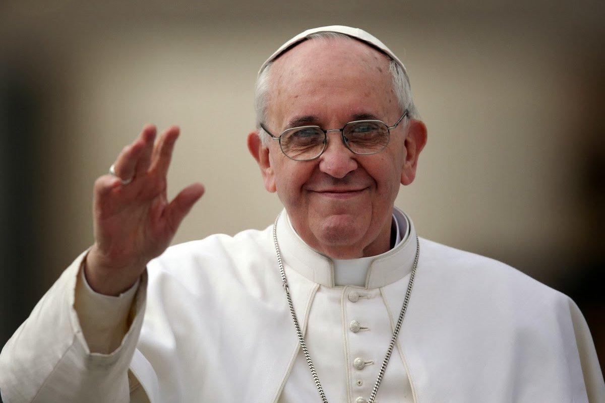 [Papa Francisco recebe vacina contra covid-19 no Vaticano]