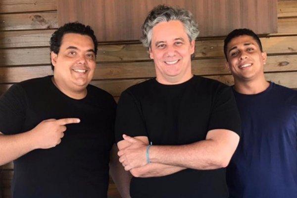 [Humoristas Guga Walla, Diego Andoliver e Bob Rodrigues apresentam  o espetáculo Mantenha o Humor]