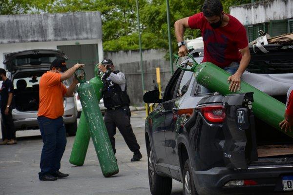 [ONGs recebem doações para comprar cilindros de oxigênio para Manaus]