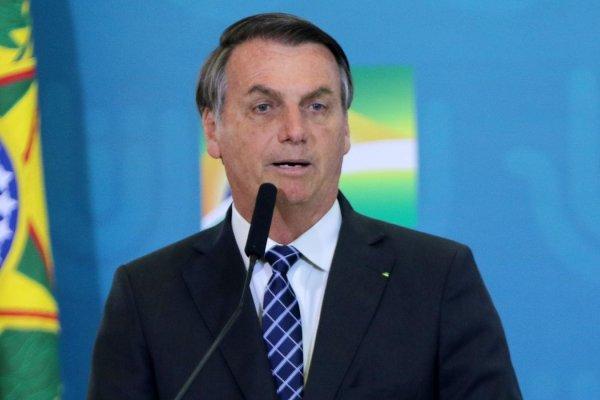 [Bolsonaro afirma que governo ajudou Amazonas desde o início da pandemia]