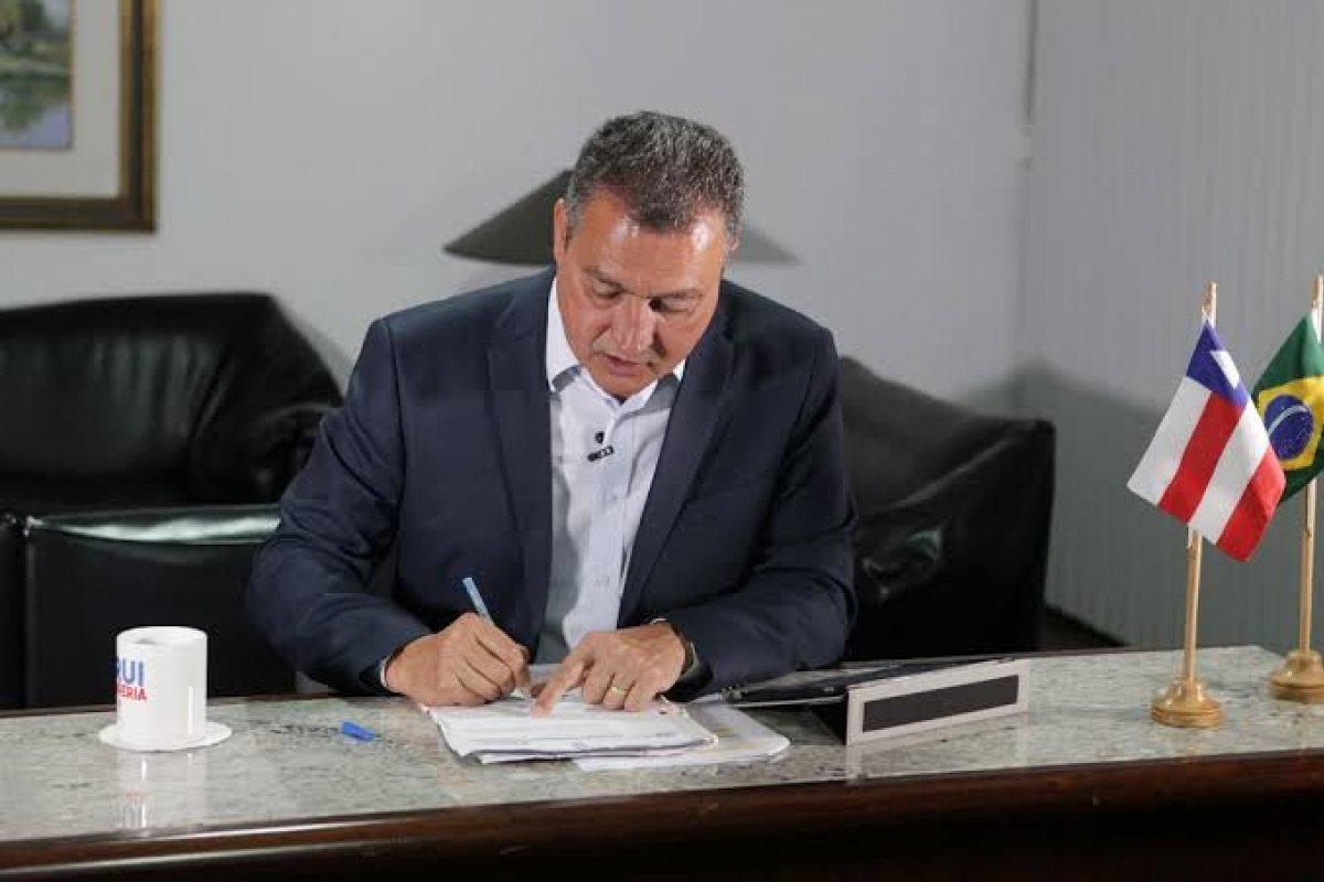 [Rui Costa ingressa no STF para compra de vacina com certificação internacional]