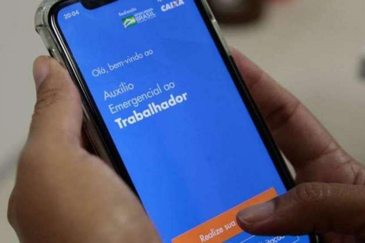 [69% dos brasileiros que receberam Auxílio Emergencial ainda não encontraram outra fonte de renda, diz Datafolha]