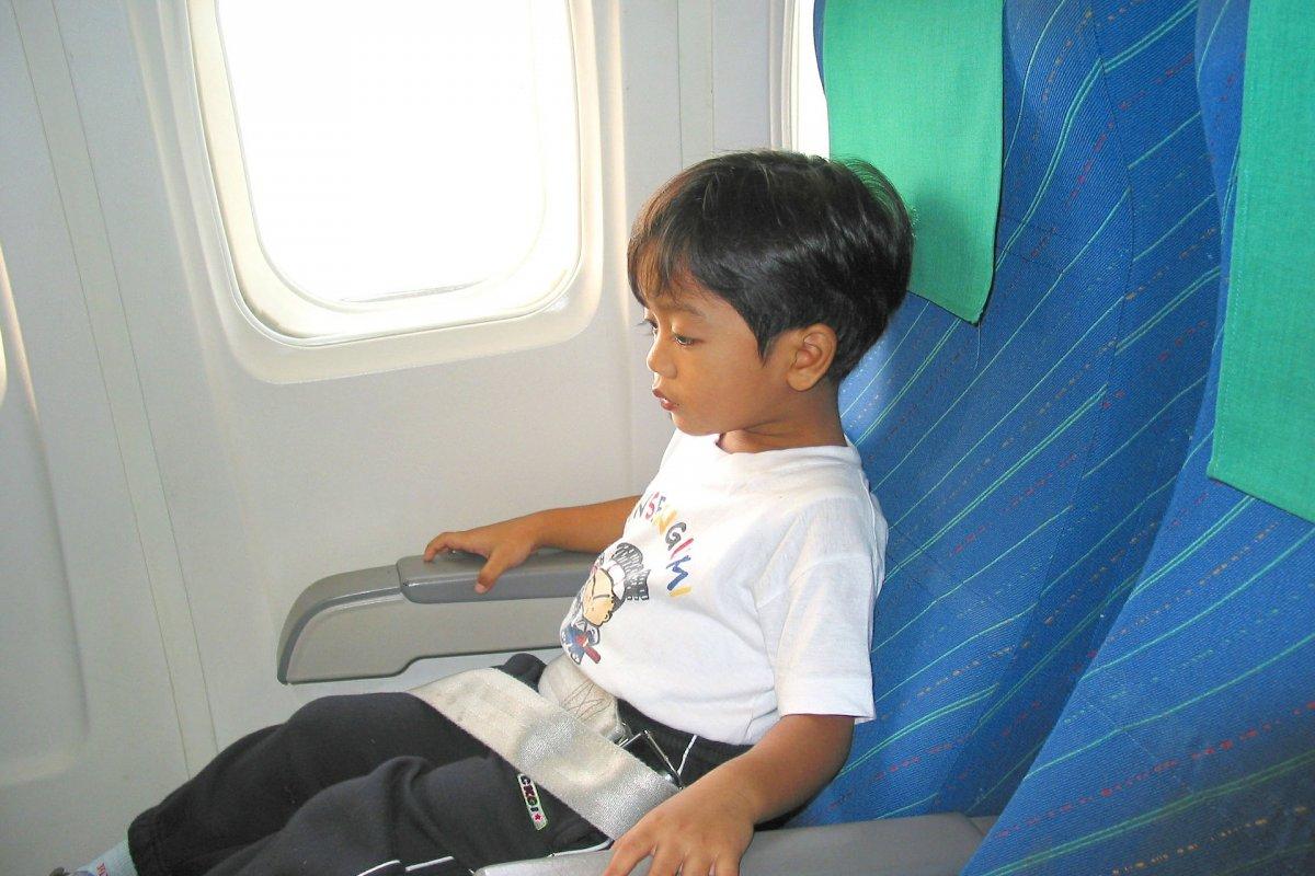 [Dicas para quem vai viajar de avião com crianças]