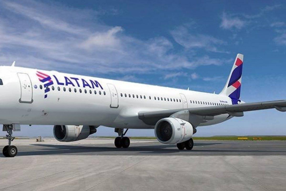 [Latam suspende voos para quatro países até outubro de 2021]