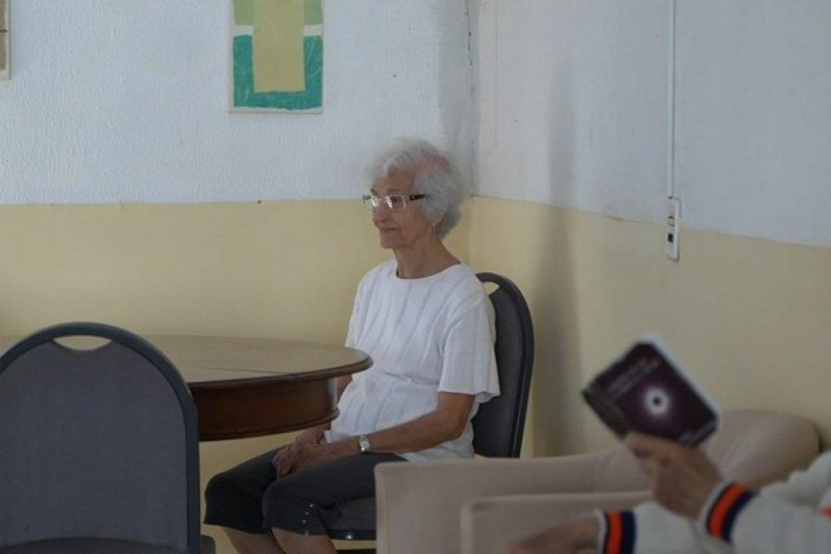 [Auxílio emergencial de R$ 160 milhões chega a instituições para idosos]