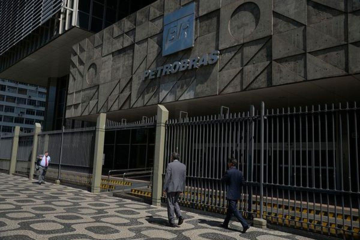[Ações da Petrobras apresentam leve alta no pré-mercado de Nova York]