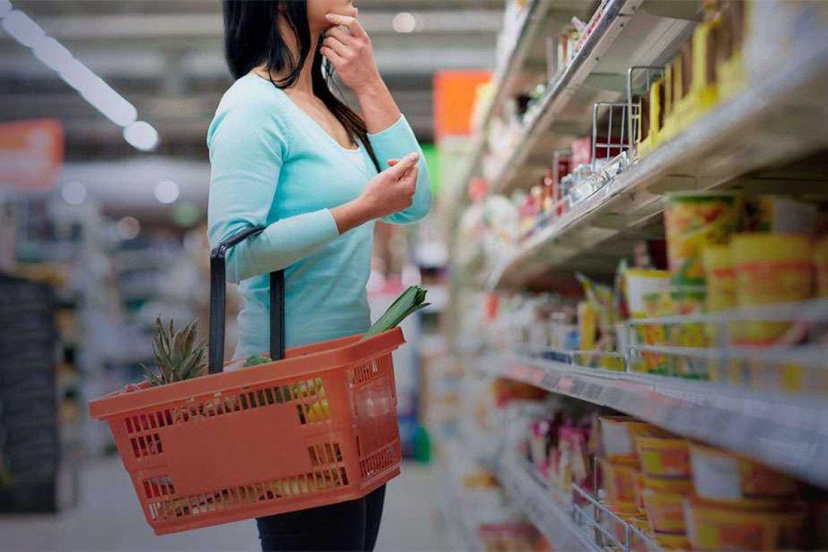 [Índice de confiança do consumidor tem aumento em fevereiro]