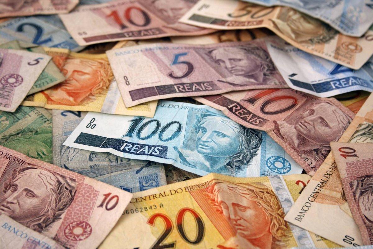 [Arrecadação de impostos tem queda de 1,5% e fecha com R$ 180 bi em janeiro]