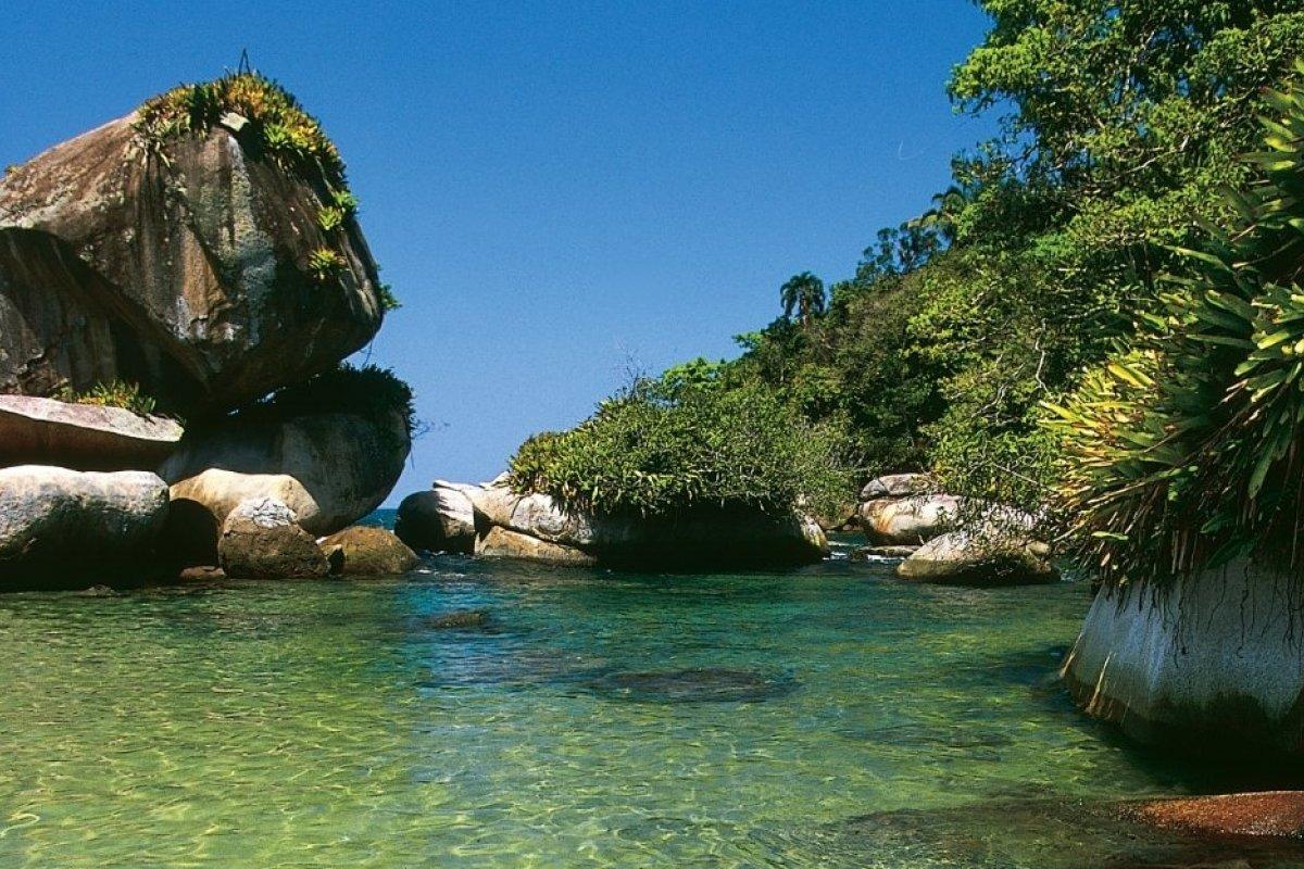 [5 piscinas naturais incríveis para visitar quando tudo isso passar!]