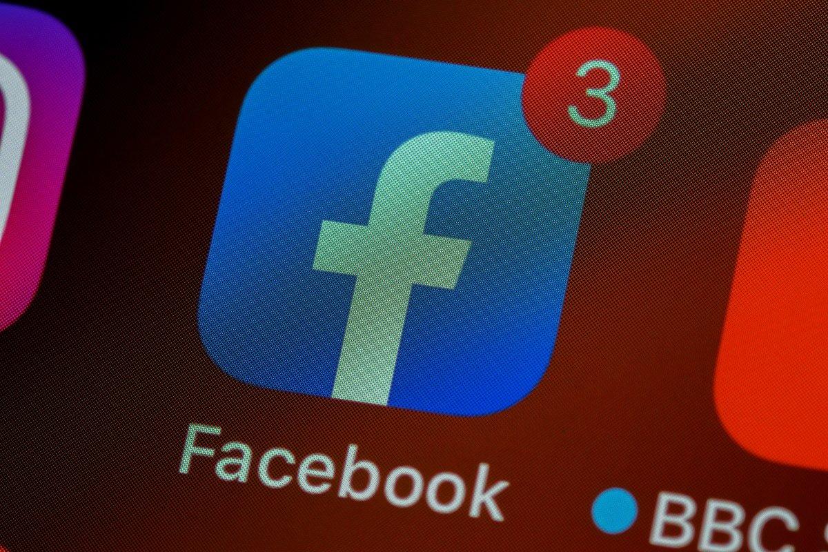 [Facebook vai lançar recurso para reprodução de podcasts e áudios na plataforma]