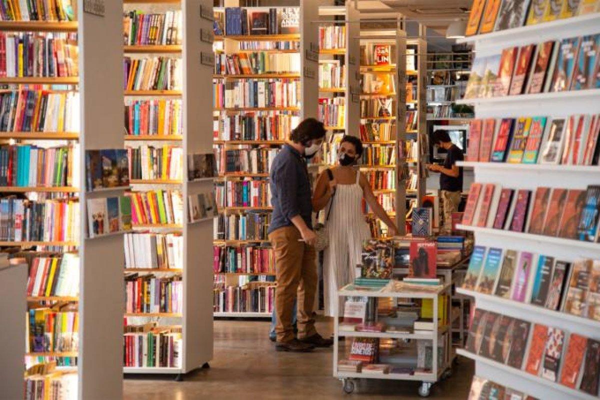 [Vendas de livros cresce 38% no Brasil ]