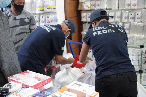 [Operação da Polícia Civil e Receita Federal apreende produtos falsificados em Feira de Santana]