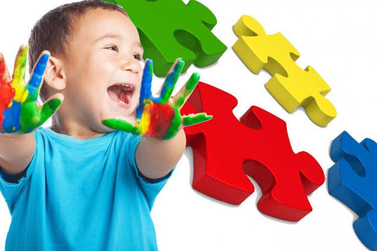 [Especialistas defendem que pessoas com autismo tenham prioridade no plano nacional de imunização contra a Covid-19]