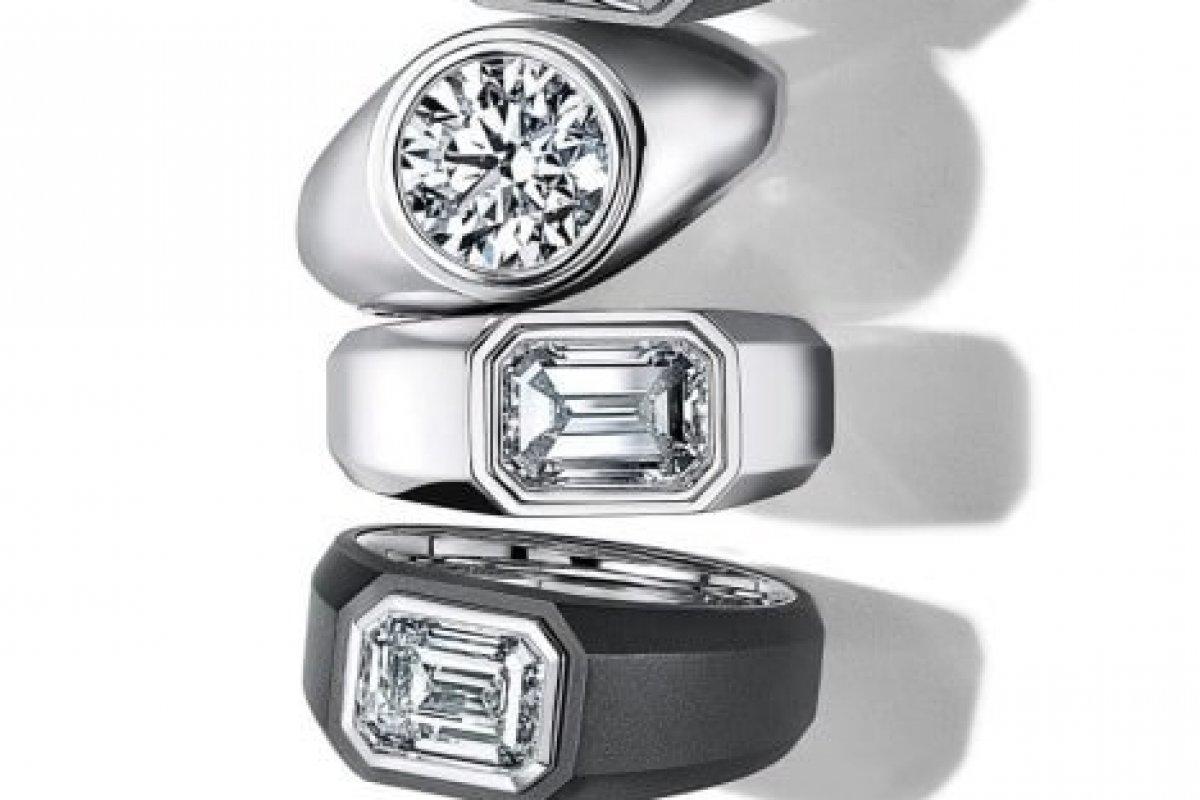 [ Tiffany & Co. irá  lançar anéis de noivado cravejados de diamante para homens]