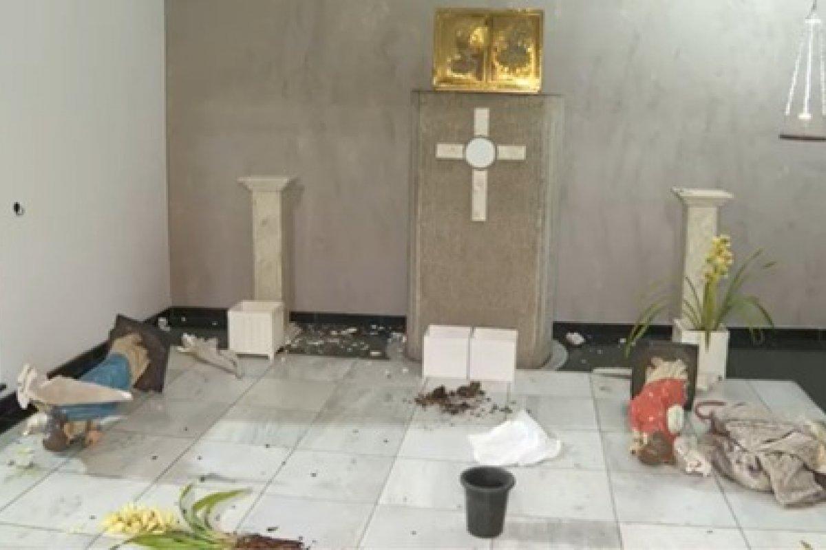 [Igreja católica é alvo de vândalos em Osasco e tem imagens de santos destruídas]