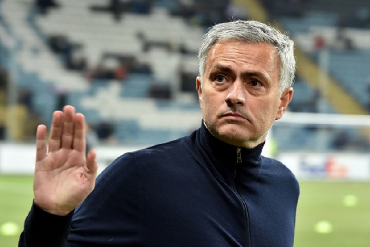 [José Mourinho é anunciado como o novo técnico da Roma]