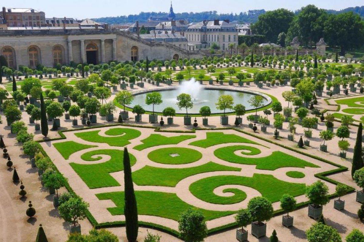 [Palácio de Versalhes, na França abre hotel dentro da propriedade]