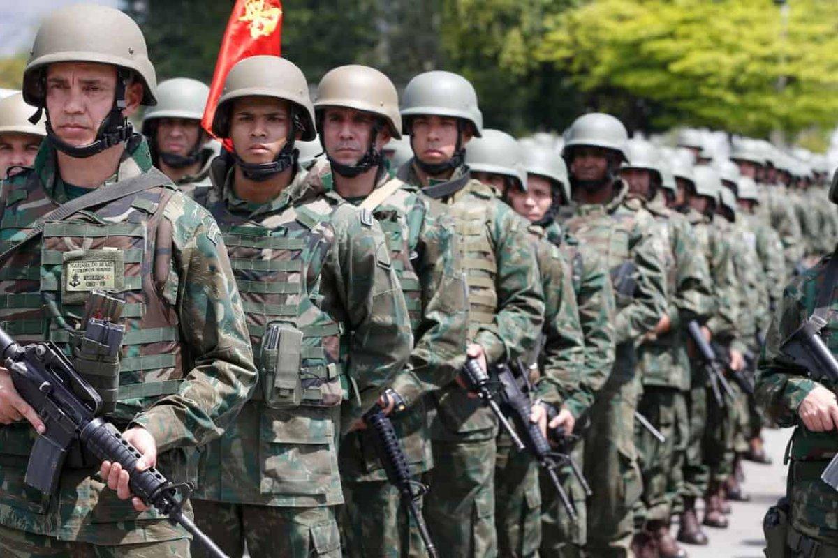 [Economia calcula que militares inativos e pensionistas podem custar mais de R$ 700 bi ao Brasil]