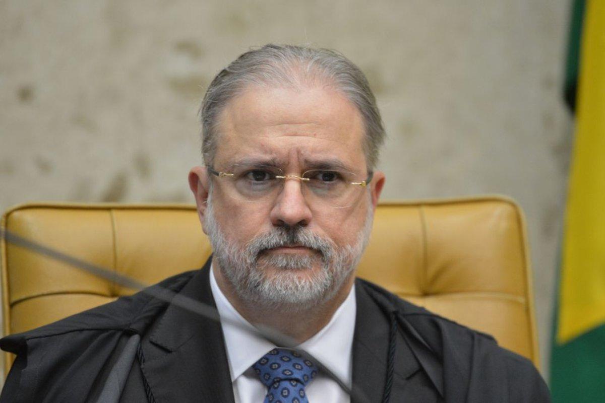 [Aras se manifesta a favor da convocação de governadores pela CPI da Covid]