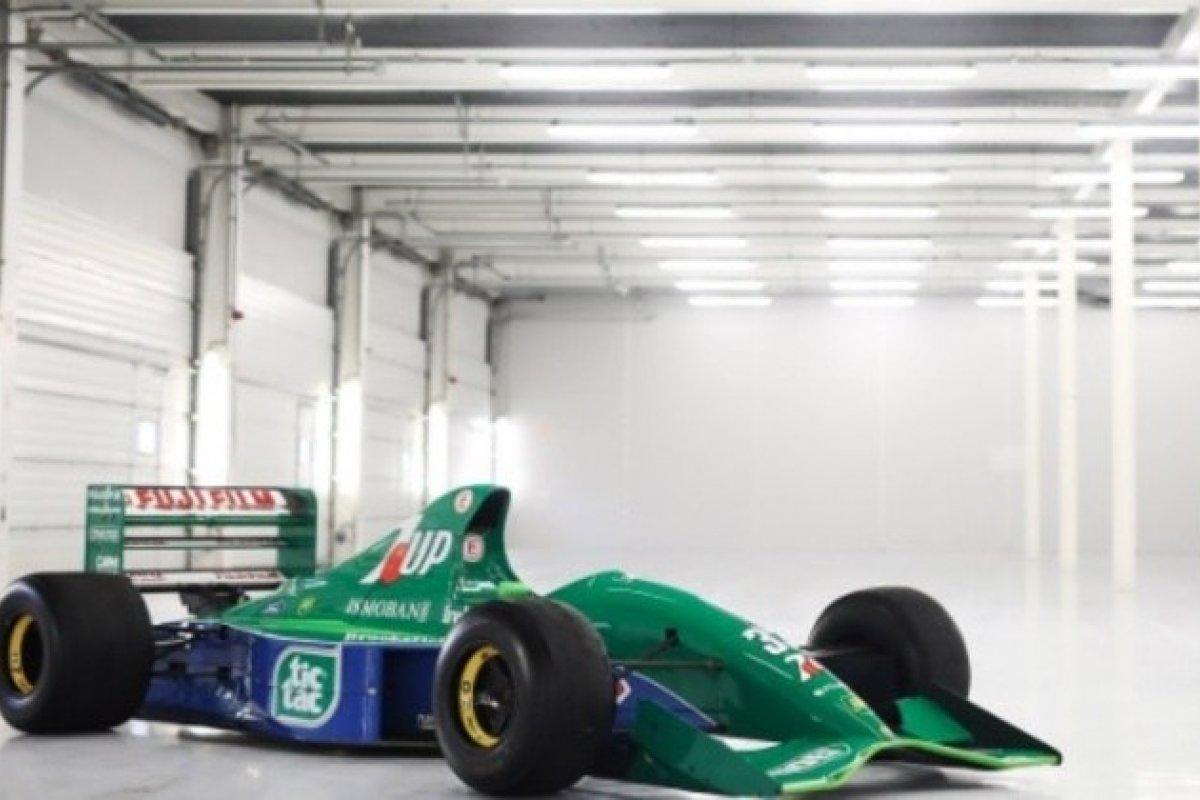 [Carro que Schumacher utilizou em sua estreia na F1 está à venda por quase R$ 9 mi]