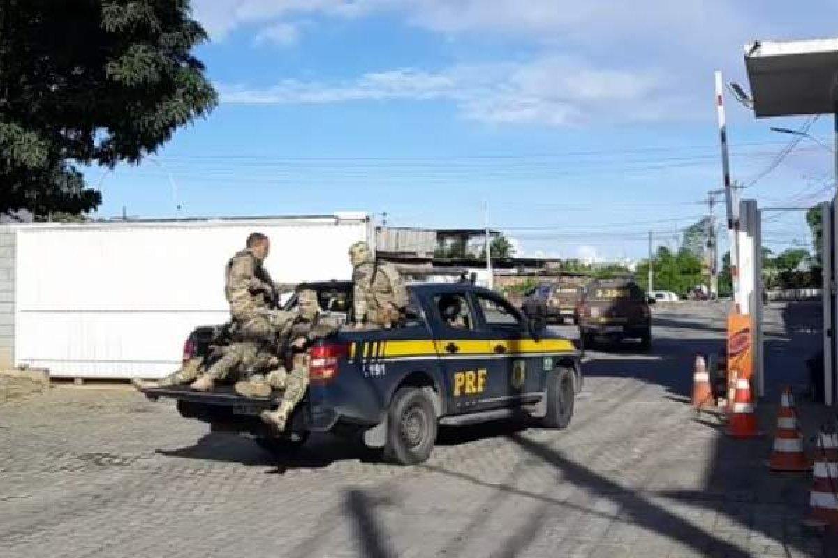 [Em ação conjunta, mais de 150 policiais cumprem mandados de prisão nos bairros de Valéria e Palestina]